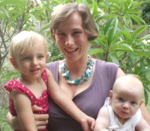 Caroline Kohl with daughters